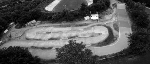 BMX_Bahn_Luftaufnahme_FAQ_sw